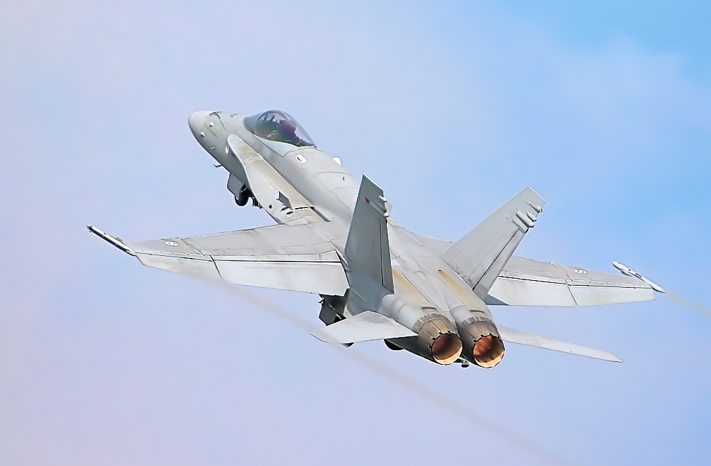 F-18〜